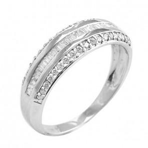 Anel branco abaulado com Diamantes