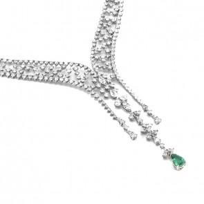 Gargantilha Queen branca com Diamantes e Esmeralda